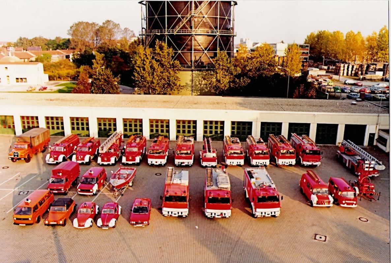 Fahrzeuge_1985_von_vorne